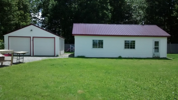bradford maine vacation real estate for sale 2 bedroom home for sale on 1 acre two car
